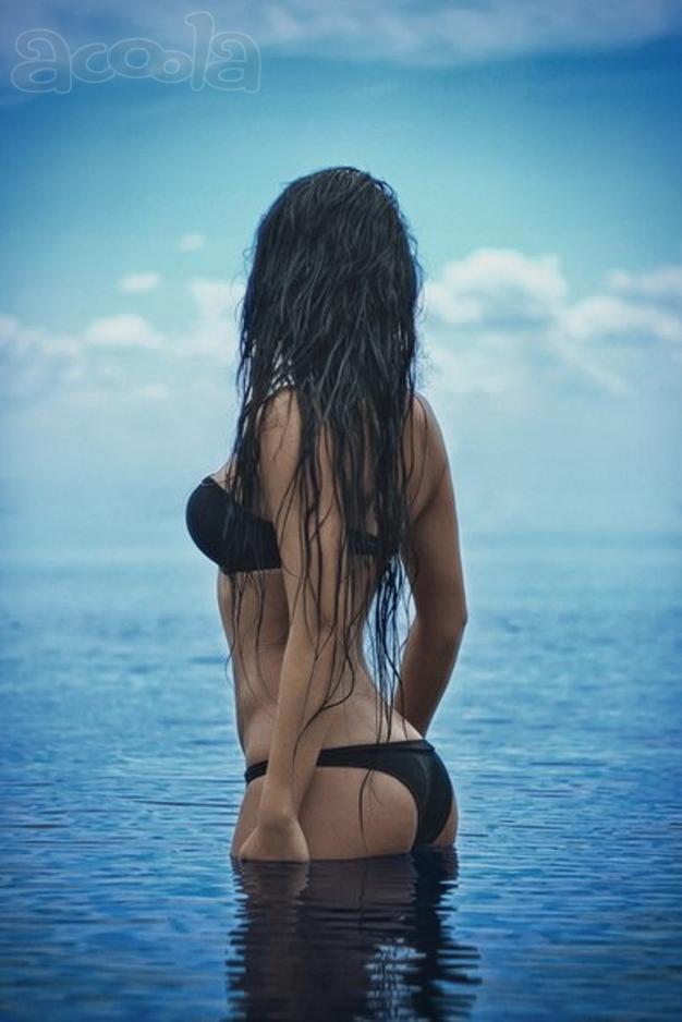 Фото девушек брюнеток со спины на аву вк